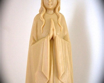 """Large Vintage Resin VIRGIN MARY  Statue from the  60's-    7"""" high- she needs a good scrubbing"""