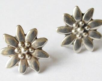 SALE Vintage Sterling Silver Flower Simple Screw Back Earrings