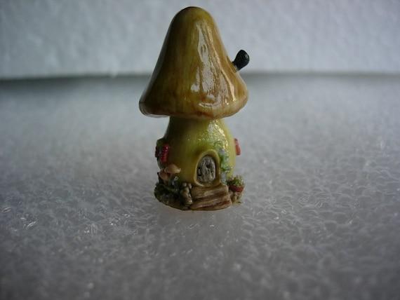 Gnome Garden: Miniature Mushroom House For Terrarium Fairy Garden Gnome