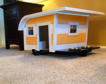 Canine Camper (Doghouse-Small)
