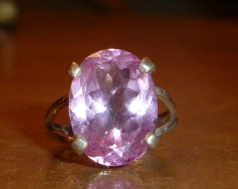 Gorgeous Pink Oval Topaz Stone In Handset Sterling Silver Setting