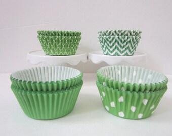 Lime Green ~ Standard ~ DESIGNER GREASE RESISTANT ~ BakeBright ~  Baking liners (set of 50)