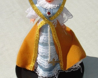 Queen Anne of Cleves GOLDEN AGE Collectors Doll - RARE Vintage Doll