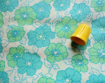 green floral print vintage cotton fabric -- 42 wide by 1 3/8 yard