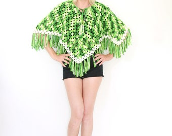 SALE Vintage 70s Macrame Knit Poncho Green and White Fringed
