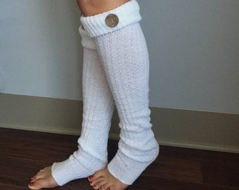 Leg Warmers : Coconut Buttons adorn Cream Knit Boot Socks
