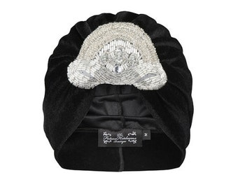 Olwin Velvet Turban in Black