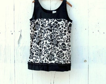 Sleeveless Blouse , Black and White Tunic top , Upcycled maternity clothes , womens size large floral shirt , classic minimal style clothing