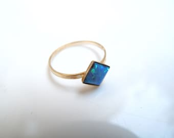 14 k solid gold opal square gemstone ring dainty elegant ring solid yellow gold stamp