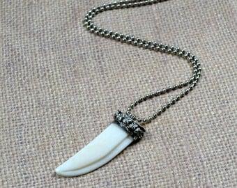 Boho Bone Tibetan Tusk Necklace Bohemian Layering Pendant White Silver Chic Fashion Jewelry Paisley Beading Free Shipping