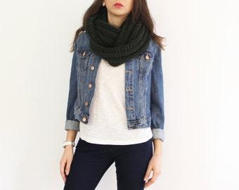 Dark green knit scarf, rib knit infinity scarf, chunky circle scarf, chunky knit loop, cowl scarf, wool scarf