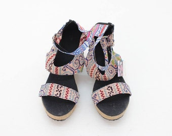 Woman Platform Shoes Wedge Heel Size 7 Vintage Fabric Handmade Thailand (SD5803.6)