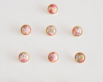 Antique buttons Bulk buttons Vintage buttons  Vintage floral buttons - lot of 10 - Knitting Buttons, Sewing Buttons