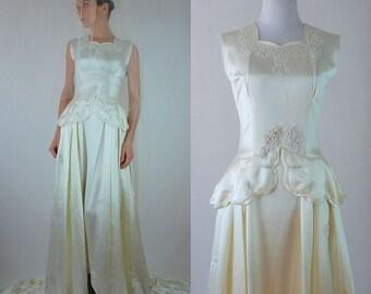 Vintage 1930s Liquid Ivory Satin Beaded Peplum Waist Wedding Gown + Long Veil. Old Hollywood Bridal Dress w/ Train, Button Back. Extra Small