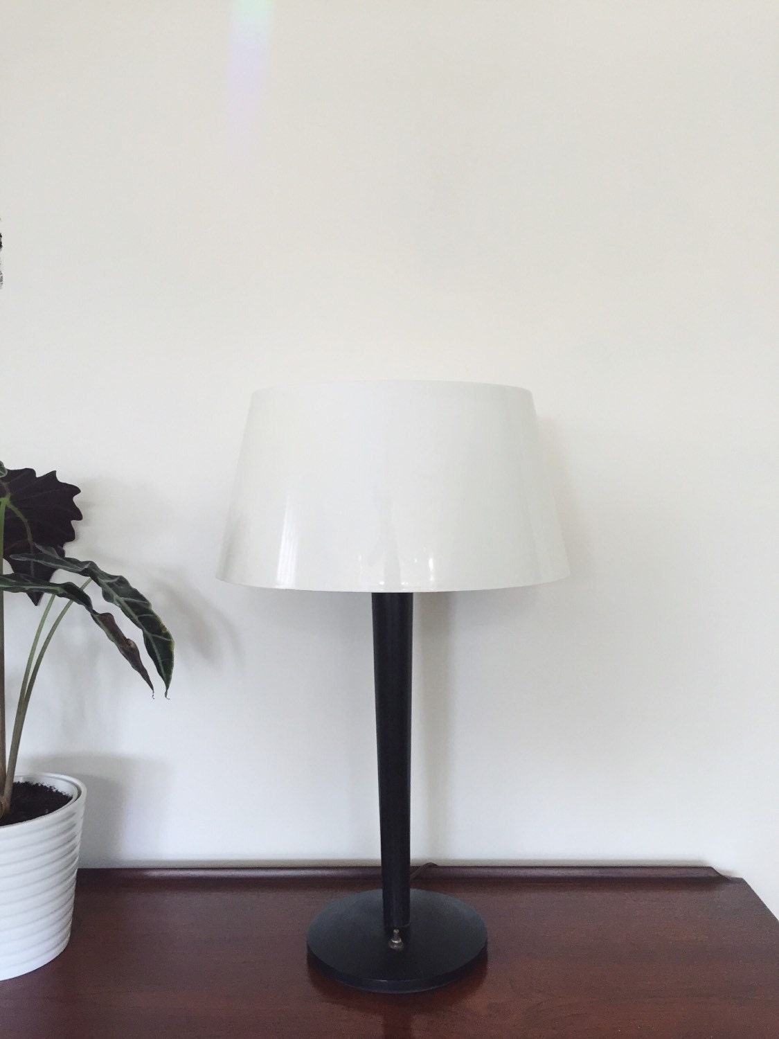 Vintage black lightolier table lamp gerald thurston for vintage black lightolier table lamp gerald thurston for lightolier mid century modern lamp atomic lamp vintage lighting mod lamp geotapseo Image collections