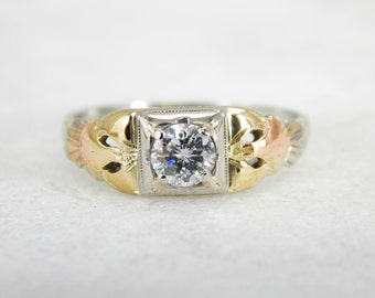 18L Tri-Color Gold Art Deco Ring with Outstanding Lines WL4QWR-D