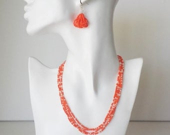 Bright orange and white minimalist necklace, orange beaded necklace, wedding necklace, dainty necklace,seed bead necklace, bridesmaid gift