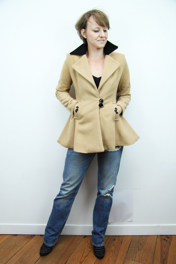 100% wool short women's coat Fit and flare camel coat
