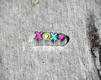 Floating Charm / Love Locket Charm / XOXO / Hugs And Kisses / Memory Locket Charm