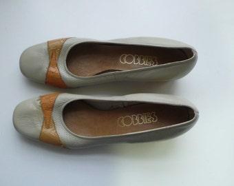 1970s Womens Low Heel Beige Shoes, Cobbies