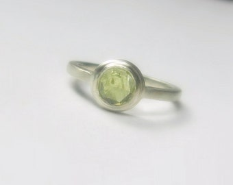 Rose Cut Green Sapphire Ring, Sterling Silver, Organic, Vintage Style, Size 5.5