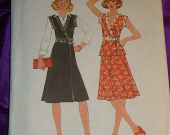 1970s 70s Vintage Front Wrap Sleeveless Dress or Top and Flared Skirt COMPLETE Simplicity Pattern 7885 Bust 34 Inches 87 Metric