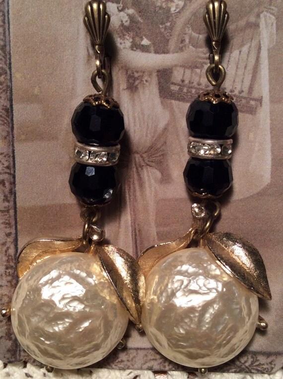 vintage coventry pearl bloom earrings vintage