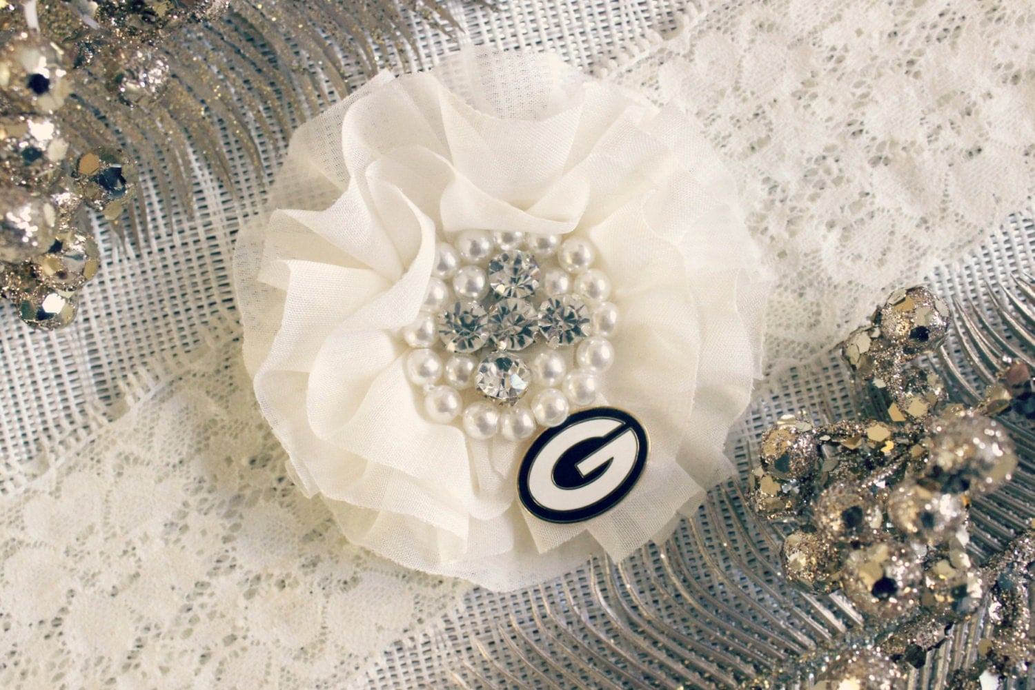Customized green bay packers ivory wedding garter bridal for Green bay packers wedding dress