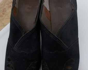 SALE Vintage 40's Lovely Suede Shoes