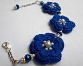 crochet blue flowers bracelet - bridesmades crochet bracelets - Valentines day gift for her