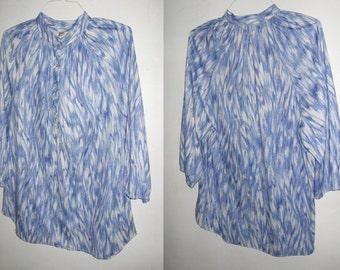 Vintage Maggie Sweet Blue Multicolor 3/4 Puff Raglan Sleeve Stand Up Collar Buttoned Placket Shirred Neckline Curved Hemline Smock Blouse 44
