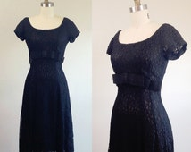 Black cocktail dress-Short lace dress- Lace evening dress- Little black dress- Dress with bow- 1950s vintage- Small