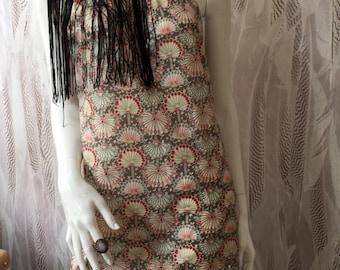 Robe d'été Cotton Liberty avec une épaule ouverte