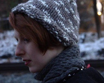 Thick chunky grey and white knit hat