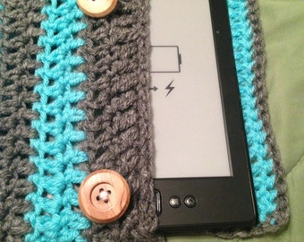 Crocheted Kindle Sleeve, 100% Handmade Crochet, Bi-Colored, For Original Kindle With 6 Inch Display, Color Combo: Chelsey Stripes