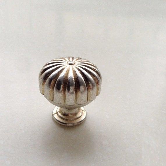 Small cabinet knobs dresser knob handle drawer knobs pulls for Small cabinet pulls