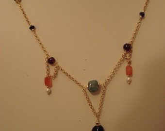 beautiful necklace with semi precious stones. Average length (50 cm)