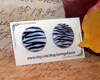 Flat Stud Earrings - Zebra