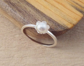 Pearl Daisy Stacking Ring - White Pearl Ring - Silver Stack Ring - Layering Pearl Ring