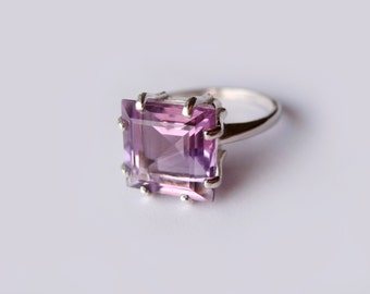 Square Light Purple Amethyst In Sterling Silver Ring 4.35ct. Size 6.75