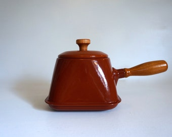 Brown Enamel Square Cooking Pot Cooking Pan with Lid and Wooden Handle - 1970's Vintage Pot