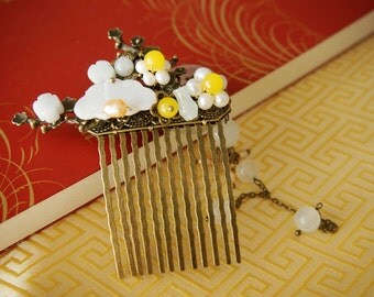 Full Moon with Flower in Cloudy Sky Vintage Hair Comb