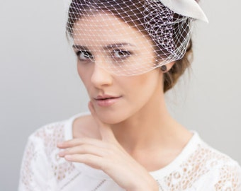 Birdcage Veil, Bridal Fascinator, Wedding Bow Headpiece, Cute Ivory Wedding Veil, Veils for Brides - Lotta