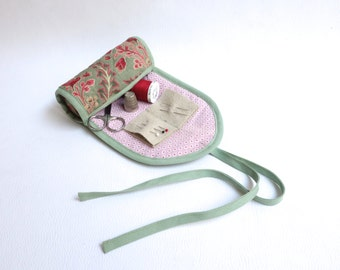 Fabric sewing case / Needle book / Travel sewing pouch / Sewing on the go / Sewing accessories / Green floral pattern.