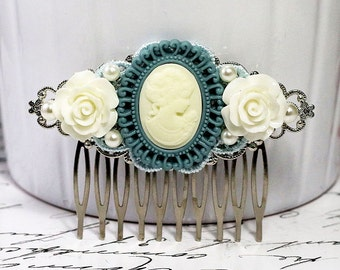 Cameo Hair Comb, Victorian Hair Comb, White Rose HairPiece, Resin Flower Comb, Bridal Hairpin, Vintage Style Wedding, Bridesmaid Accessory