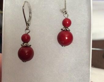 Vintage red bead hang earrings  42E