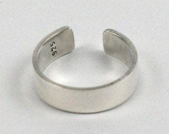 Solid Silver Handmade Adjustable 5mm Toe Ring. Hallmarked