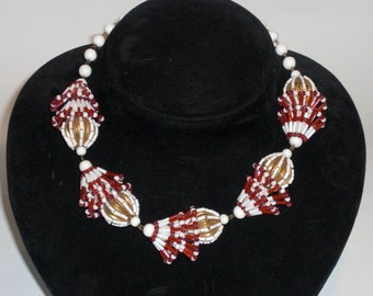Necklace (46) Murano gold, red and white, to 1950's