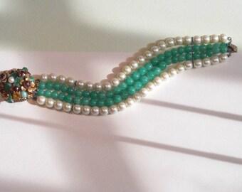 Bracelet (24) Pearl & jade, vers1950s