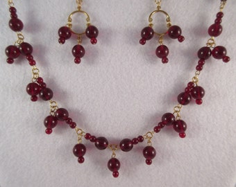 Necklace & Earrings/Red Glass